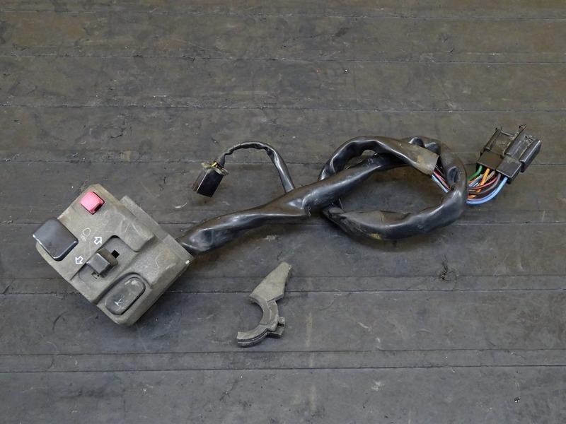 【200519】バリオスⅡ(ZR250B-009)■ ハンドルスイッチ左右セット スイッチボックス 【GSX250FX ZR250C バリオス2_画像2