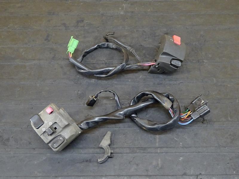 【200519】バリオスⅡ(ZR250B-009)■ ハンドルスイッチ左右セット スイッチボックス 【GSX250FX ZR250C バリオス2_画像1