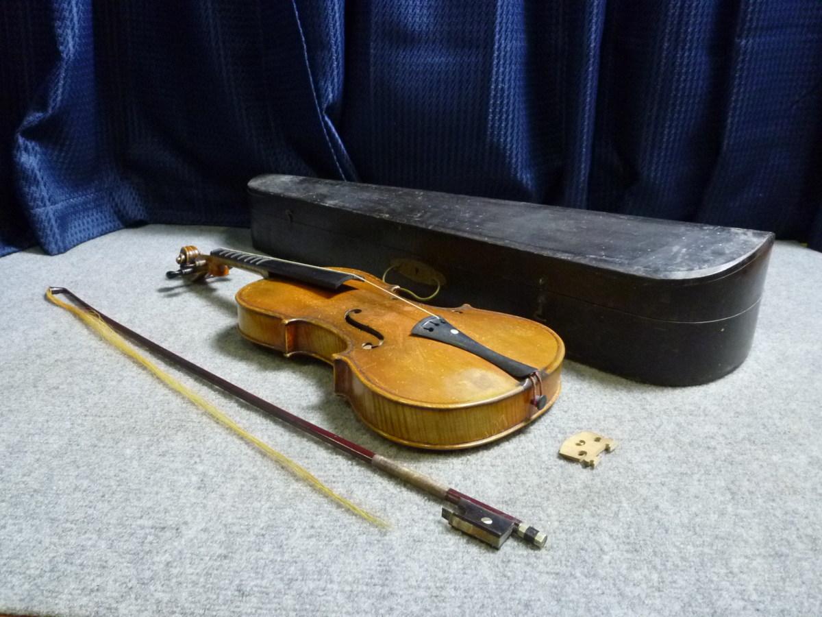 ▲ 極希少 M.SUZUKI スズキ A3010 バイオリン 木製ハードケース付 ▲_画像1