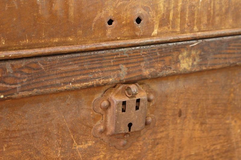 US ビンテージ アイアン製 トランク 宝箱 収納 ボックス 鉄 ツールボックス アメリカ アンティーク/工具ガレージガーデニング/JAT28140_画像6