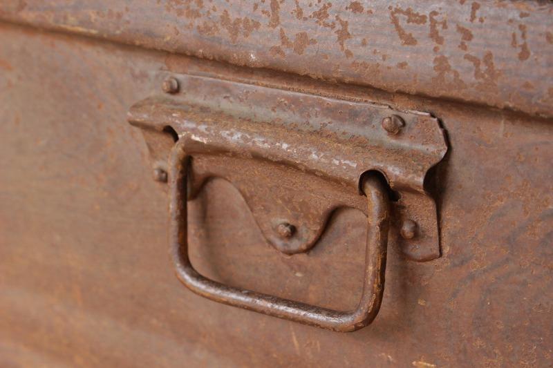 US ビンテージ アイアン製 トランク 宝箱 収納 ボックス 鉄 ツールボックス アメリカ アンティーク/工具ガレージガーデニング/JAT28140_画像8
