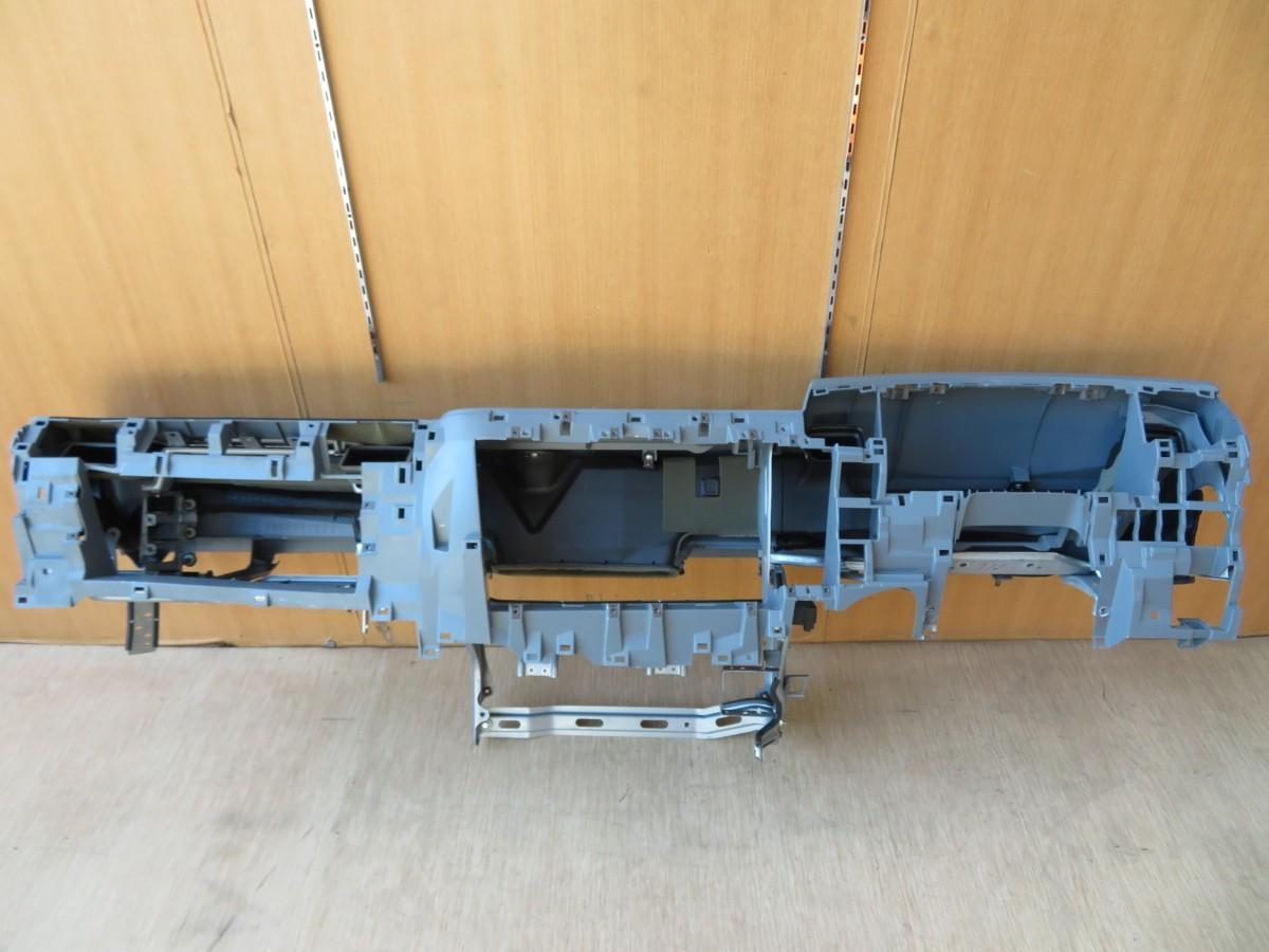 H28 ファイター FK71F ダッシュボード/インストルメントパネル/インパネ_画像3
