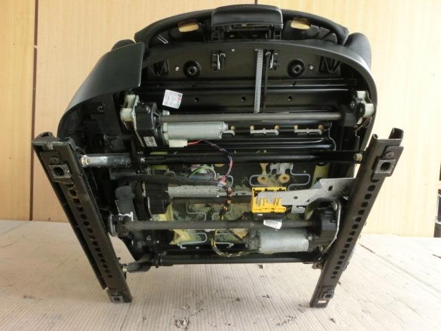 ★BMW X3 運転席 シート 平成20年 後期 ABA-PC25 右 フロント 布製 電動 E83 2.5SI 7.7万㌔ 08y _画像6