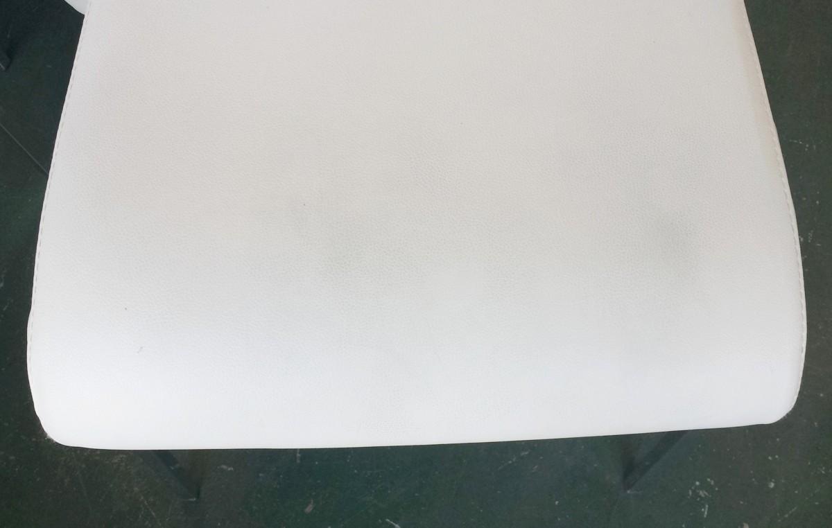★ ダイニングチェア 白 パブリック 4脚セット W42xD50xH86xSH45cm パイプイス ダイニングチェア 座ビニール レストランチェア 中古 ★:_画像4