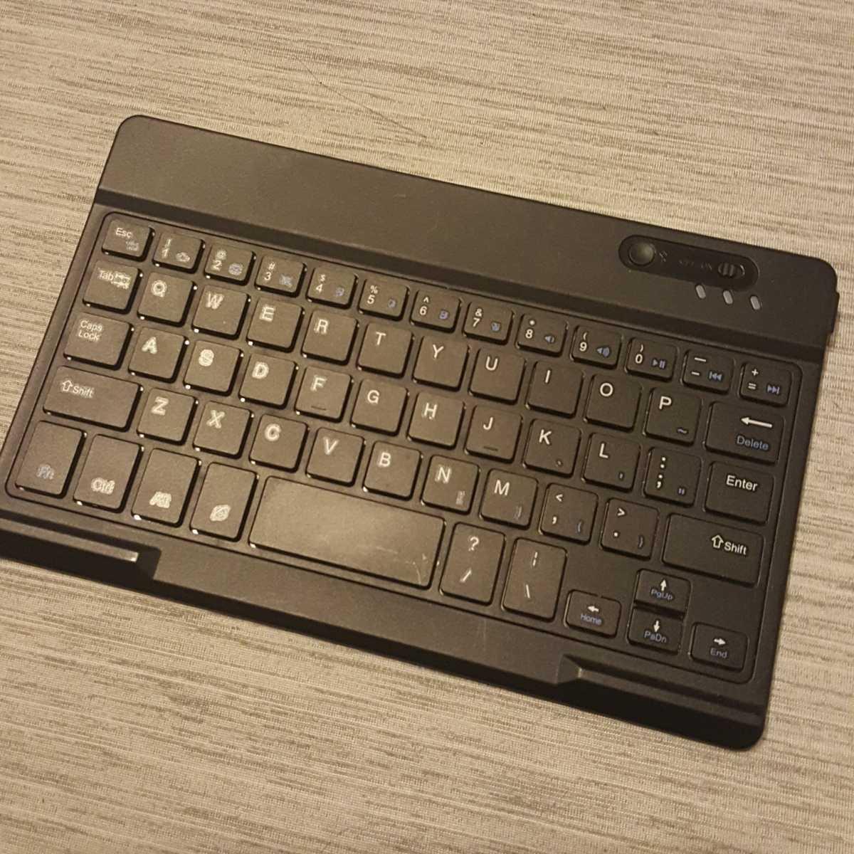 Bluetoothキーボード ワイヤレスキーボード 軽量 送料サービス 13cm×20cm コンパクト