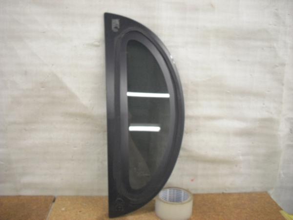 タント L375S クォーターガラス 右 中古品[H202-13170]_画像4