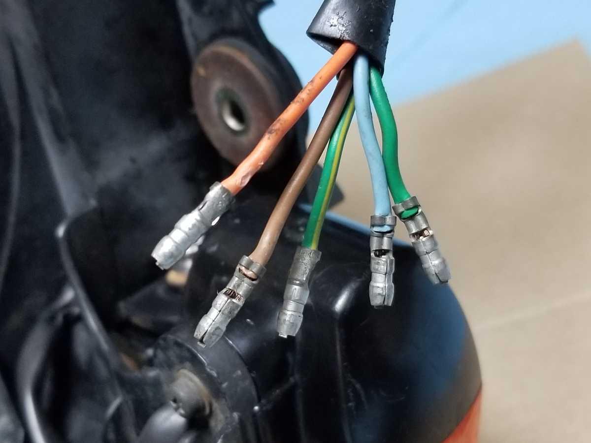 FTR250 MD17 リアテール assy 中古品 FTR223にも HONDA FTR ウインカー ブレーキランプ 点灯確認済_画像5