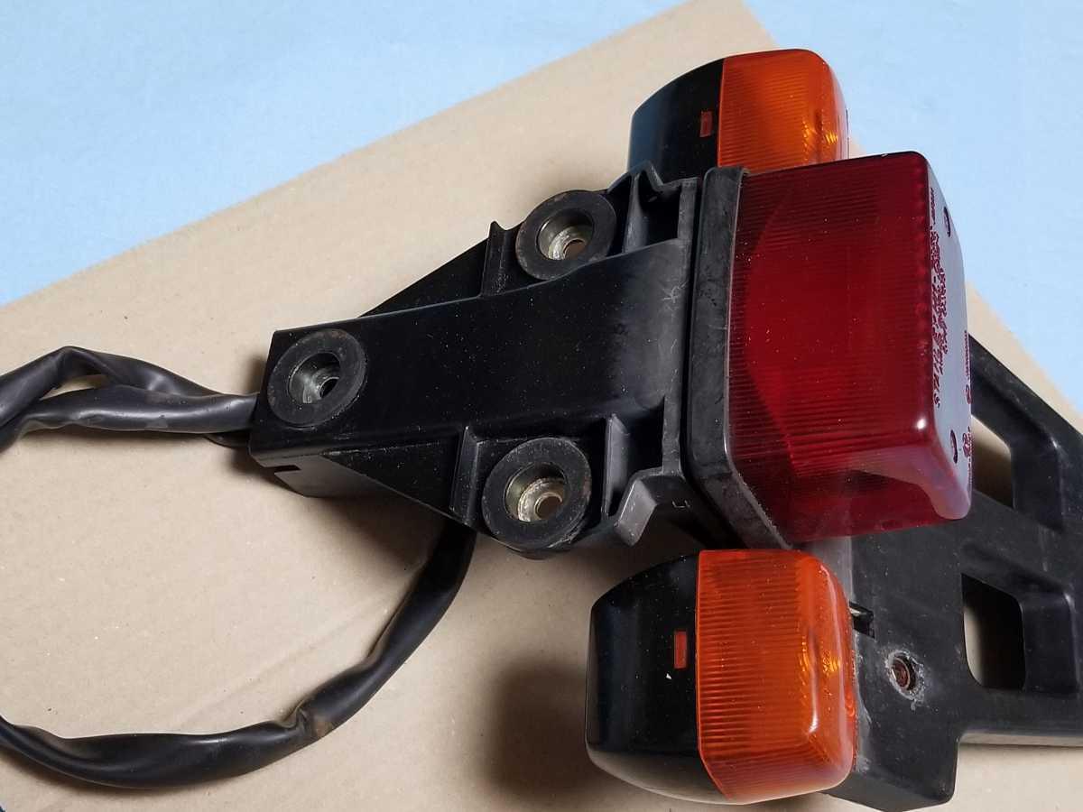 FTR250 MD17 リアテール assy 中古品 FTR223にも HONDA FTR ウインカー ブレーキランプ 点灯確認済_画像3