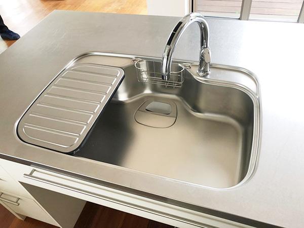 N4710【展示未使用品】エイダイ 高級システムキッチン/ビルトインコンロ/レンジフード/食器棚/カップボード/W2680mm/200万_画像9