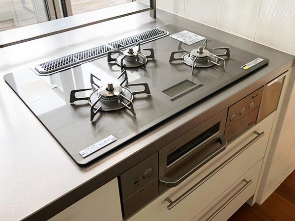 N4710【展示未使用品】エイダイ 高級システムキッチン/ビルトインコンロ/レンジフード/食器棚/カップボード/W2680mm/200万_画像7