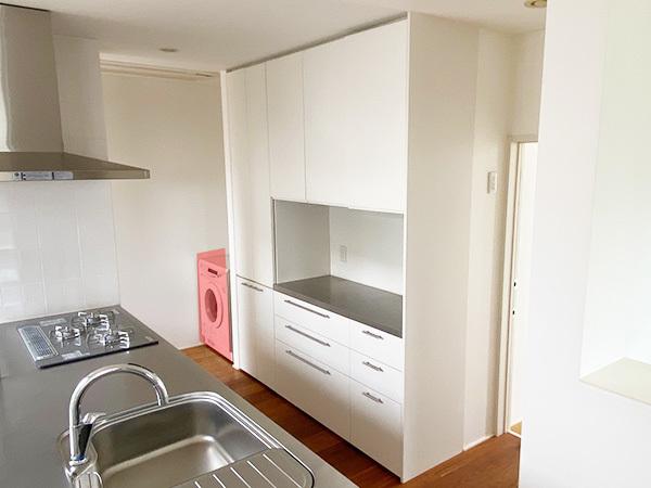 N4710【展示未使用品】エイダイ 高級システムキッチン/ビルトインコンロ/レンジフード/食器棚/カップボード/W2680mm/200万_画像4