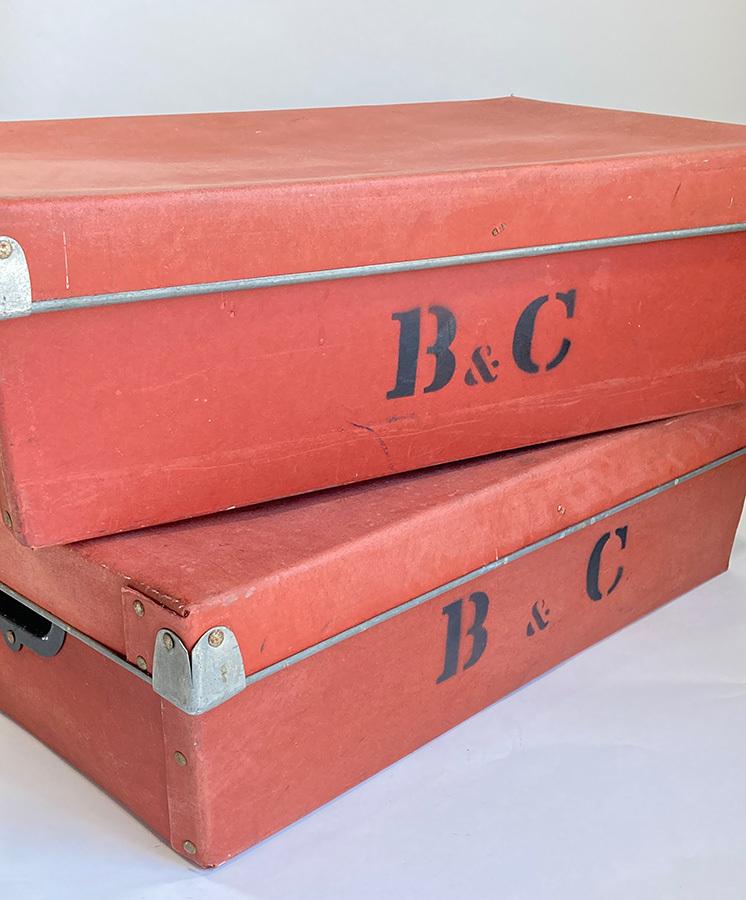 1940's イギリス【B & C】アンティーク 収納ボックス/ビンテージ/ランプ/照明/店舗什器/ハンガー/ラック/棚/ステンシル/O.C.WHITE/テーブル_画像4