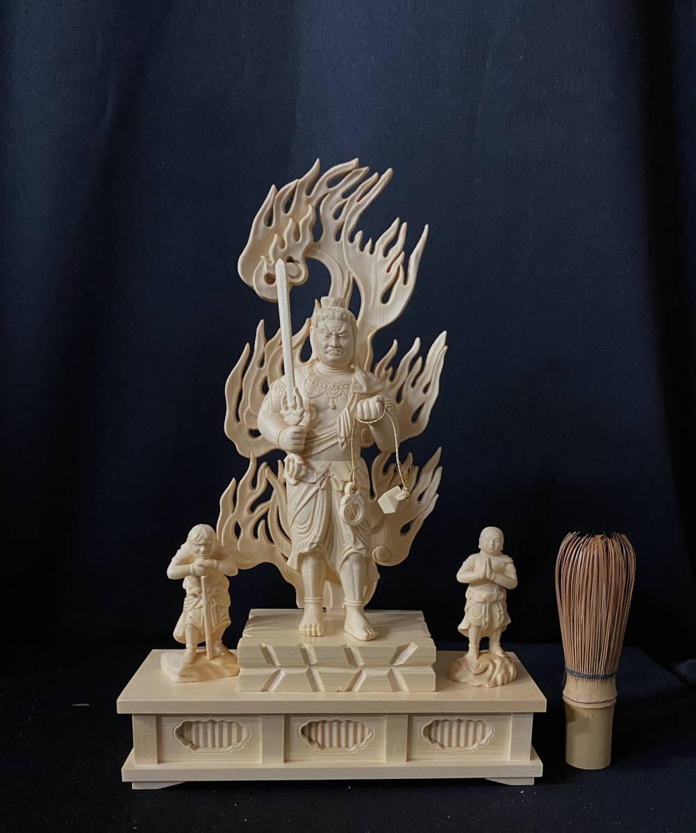 井波彫刻 高29cm 総檜材 仏教工芸品 木彫仏像 仏師手仕上げ品 不動明王三尊立像