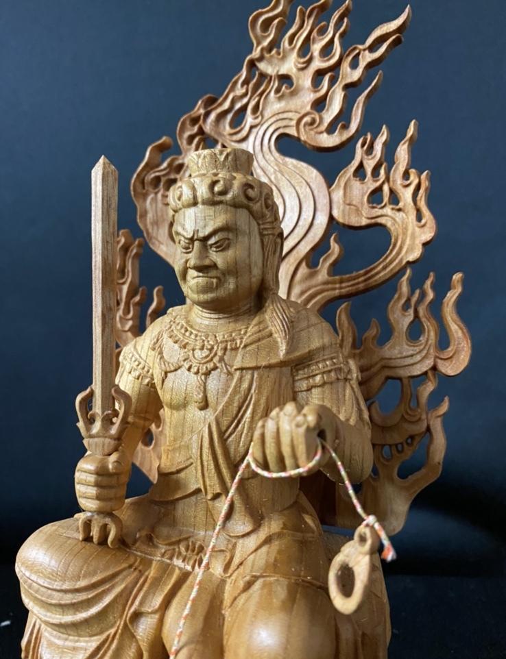 井波彫刻 一刀彫り 仏教工芸品 総ケヤキ材 精密彫刻 極上品 木彫仏教 仏師で仕上げ品 不動明王座像