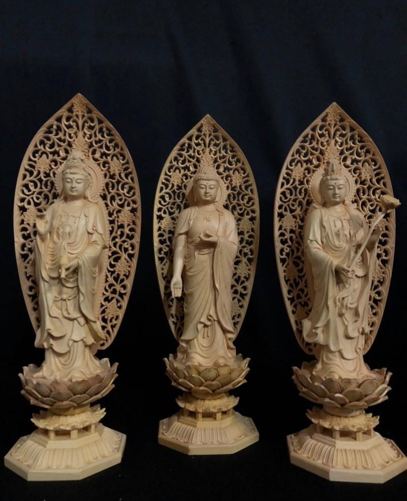 最高級 井波彫刻 仏教工芸品 総柘植材 精密彫刻 極上品 木彫仏教 仏師で仕上げ品 阿弥陀如来三尊立像立像一式_画像1