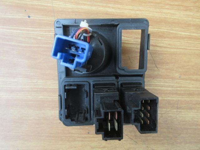 H20 ニッサンディーゼル コンドル(4t) MK36C スイッチ アイドルコントロール_画像3
