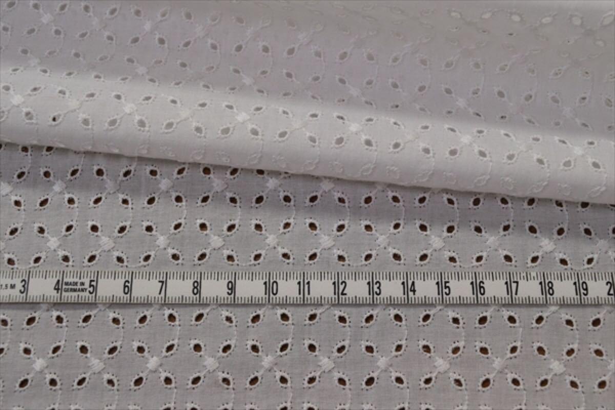 タイムセール!1m【総刺繍レース生地】r13/綿ローン/小花格子刺繍/花柄/コットン/布