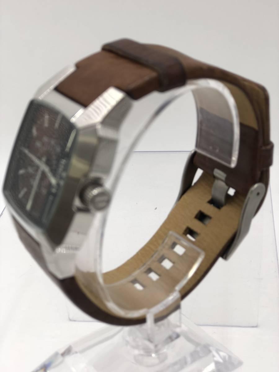 電池交換済み◎ディーゼル DIESEL メンズ腕時計 DZ-1090 ブラウン革ベルト ケース付き 稼働品 紳士_画像2