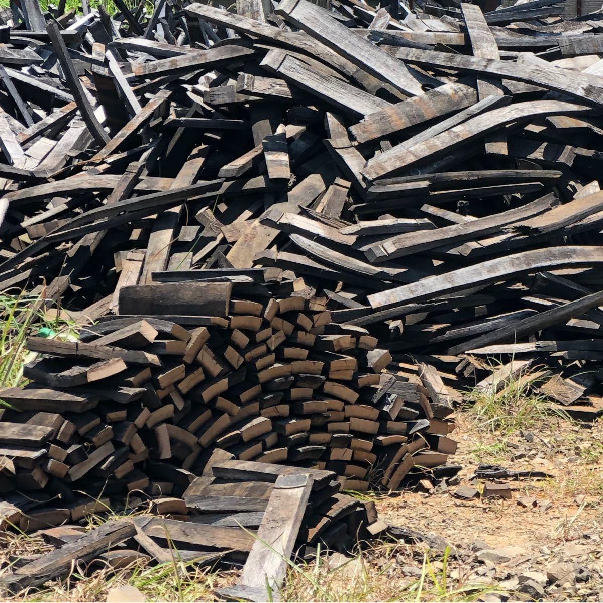 薪 酒樽 焚き木