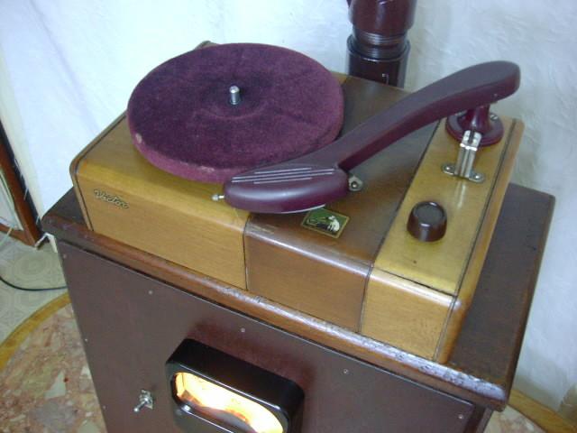 電気文化物 復元・整備済み 完動品 !! 外装自作 テレビアン製 ラッパ式 真空管 電気蓄音機_レコードプレーヤー部です