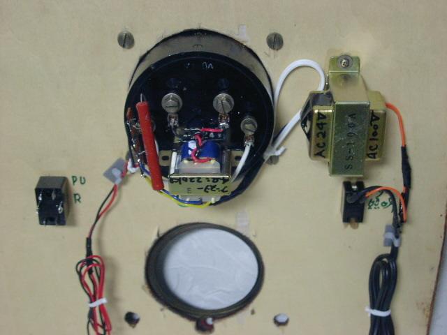 電気文化物 復元・整備済み 完動品 !! 外装自作 テレビアン製 ラッパ式 真空管 電気蓄音機_フロントディスプレー部の後面です