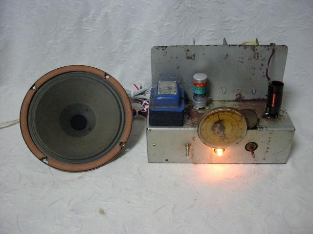 電気文化物 復元・整備済み 完動品 !! 外装自作 テレビアン製 ラッパ式 真空管 電気蓄音機_シャシーの正面です