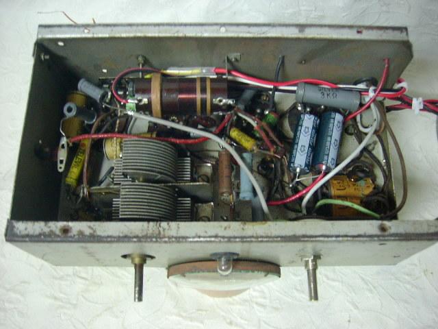 電気文化物 復元・整備済み 完動品 !! 外装自作 テレビアン製 ラッパ式 真空管 電気蓄音機_シャシーの内部です