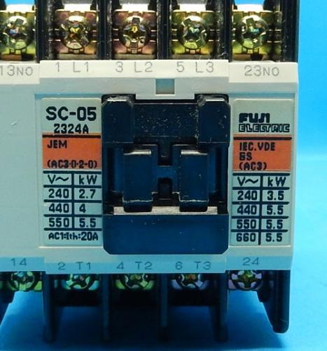 SC-05 コイルAC100V 2a  電磁接触器 富士電機 ランクB中古品_画像2