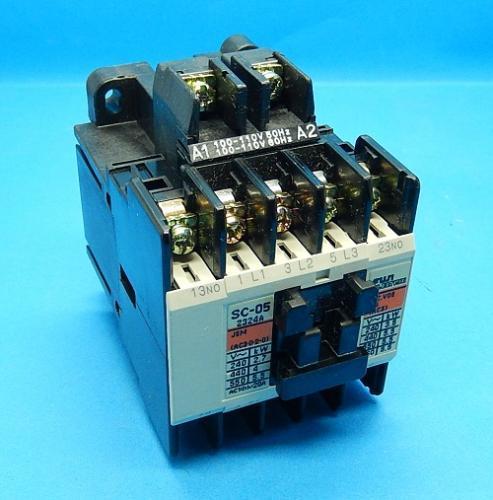 SC-05 コイルAC100V 2a  電磁接触器 富士電機 ランクB中古品_画像1