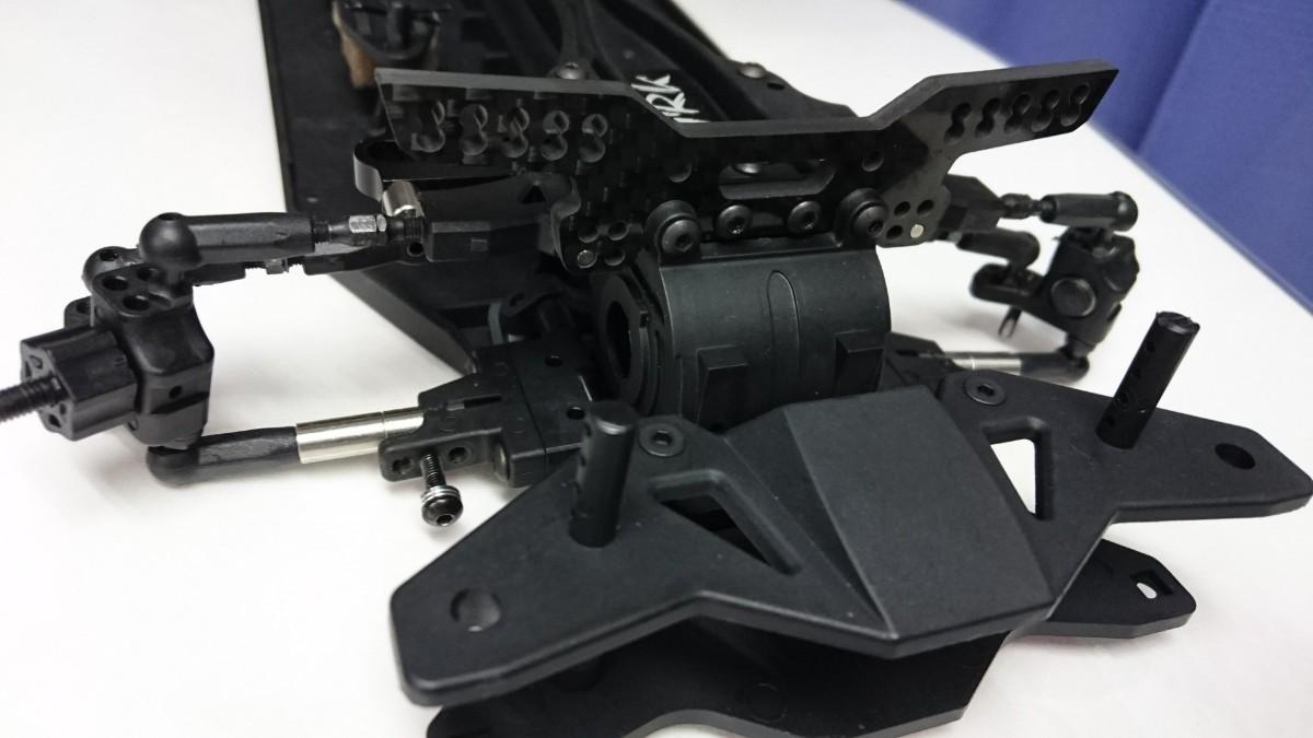 ラジコンパーツ R31HOUSE GRK4用 軽量カーボンフロントダンパーステー