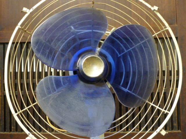 昭和レトロ 三菱 扇風機 D25-E型 青 ブルー 古道具 アンティーク レトロ家電 ディスプレイ 什器_画像7