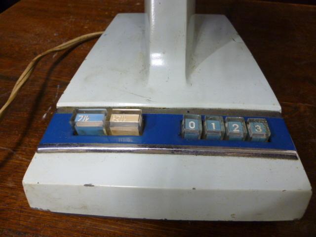 昭和レトロ 三菱 扇風機 D25-E型 青 ブルー 古道具 アンティーク レトロ家電 ディスプレイ 什器_画像4