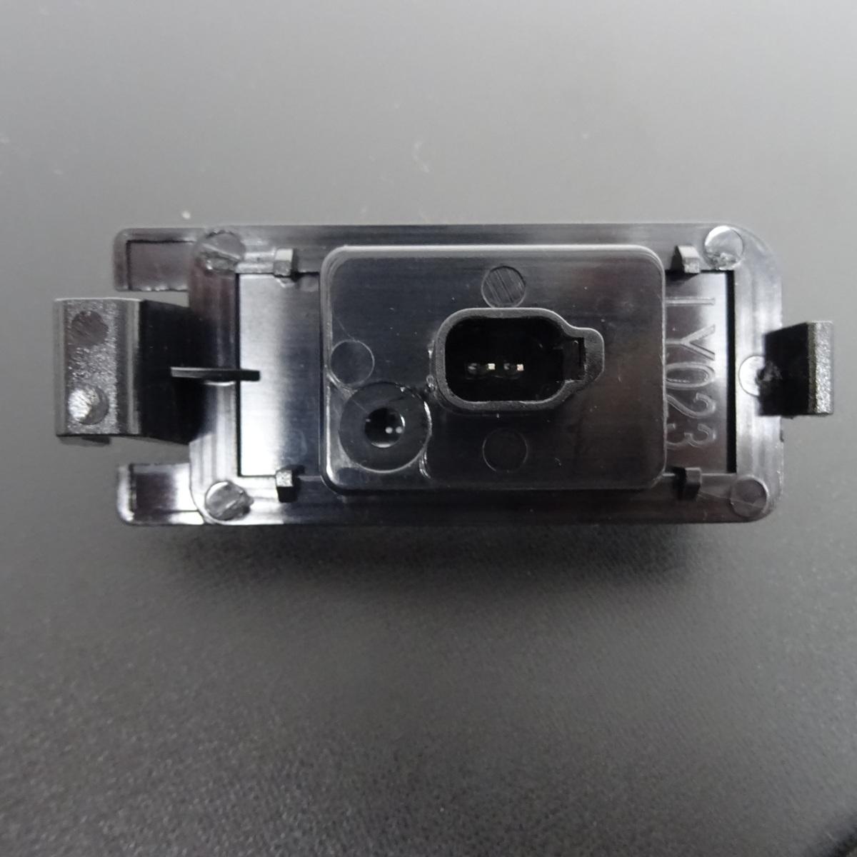 激白光 ! 交換式 ! 日産 LED ナンバー灯 ライセンス ランプ ティーダ C11 NC11 JC11 リーフ ZE0 AZE0 セレナ C24(後期) RC24 TC24 TNC24_画像3