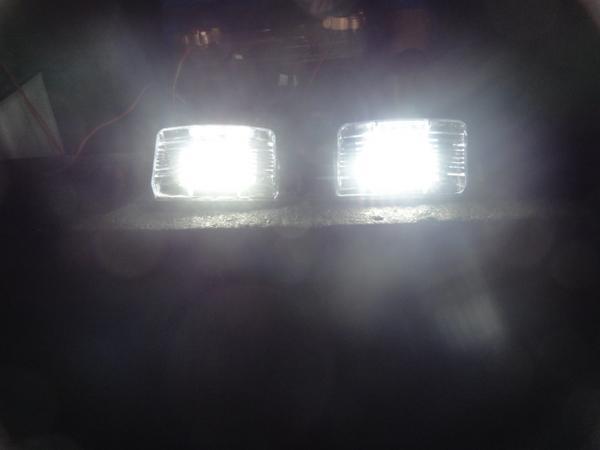 激白光 ! 交換式 ! 日産 LED ナンバー灯 ライセンス ランプ ティーダ C11 NC11 JC11 リーフ ZE0 AZE0 セレナ C24(後期) RC24 TC24 TNC24_画像1