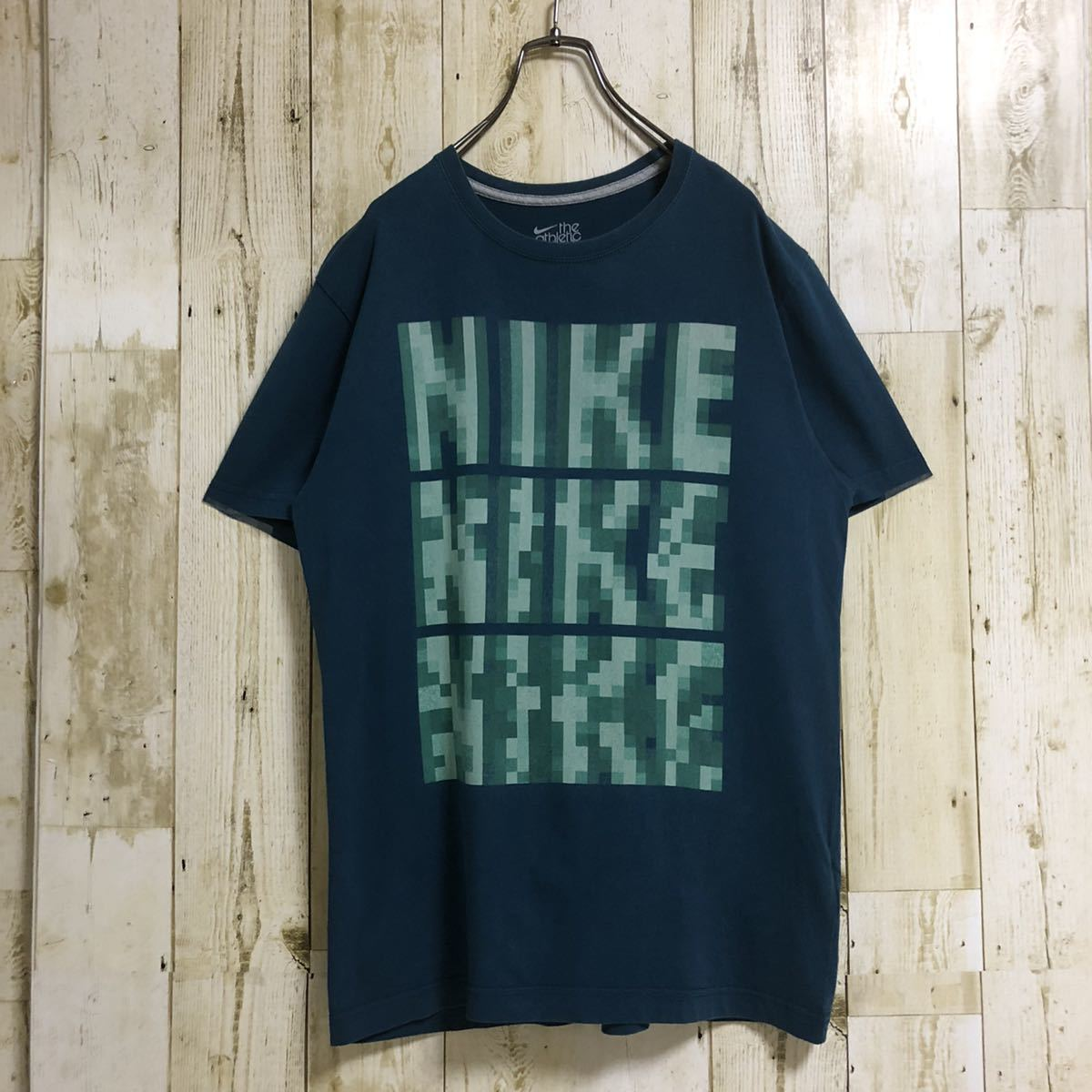 NIKE ナイキ ザ アスレチック デプト ポリゴン 3連ロゴ ビッグロゴ ビッグプリント 半袖Tシャツ Tee ターコイズブルー 人気カラー L 古着