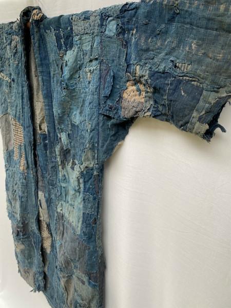 究極の襤褸 明治期 襤褸 野良着 ボロ 藍染め 継ぎ接ぎ 溶けた木綿 アンティーク Japanese Antique boro アートピース 博物館級 資料 00s10s_画像8