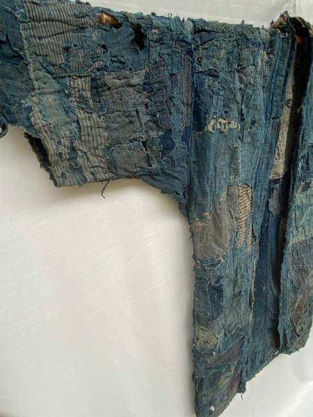 究極の襤褸 明治期 襤褸 野良着 ボロ 藍染め 継ぎ接ぎ 溶けた木綿 アンティーク Japanese Antique boro アートピース 博物館級 資料 00s10s_画像7