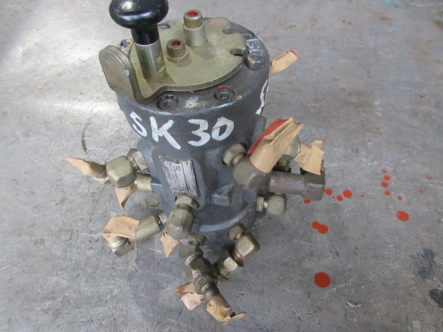 KOBELCO コベルコ SK30SR-3 マルチバルブ マルチレバー 切り替えスイッチ 4WAY  建設機械 中古 建機 ユンボ_画像1