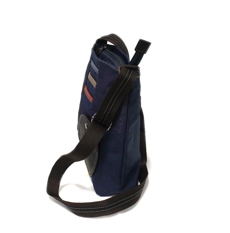 デニム レディース ショルダーバッグ ネイビー 斜め掛け 軽い たくさん入る おしゃれ カバン かばん 鞄 ミセス 女性 シニア 母の日 ギフト_画像2