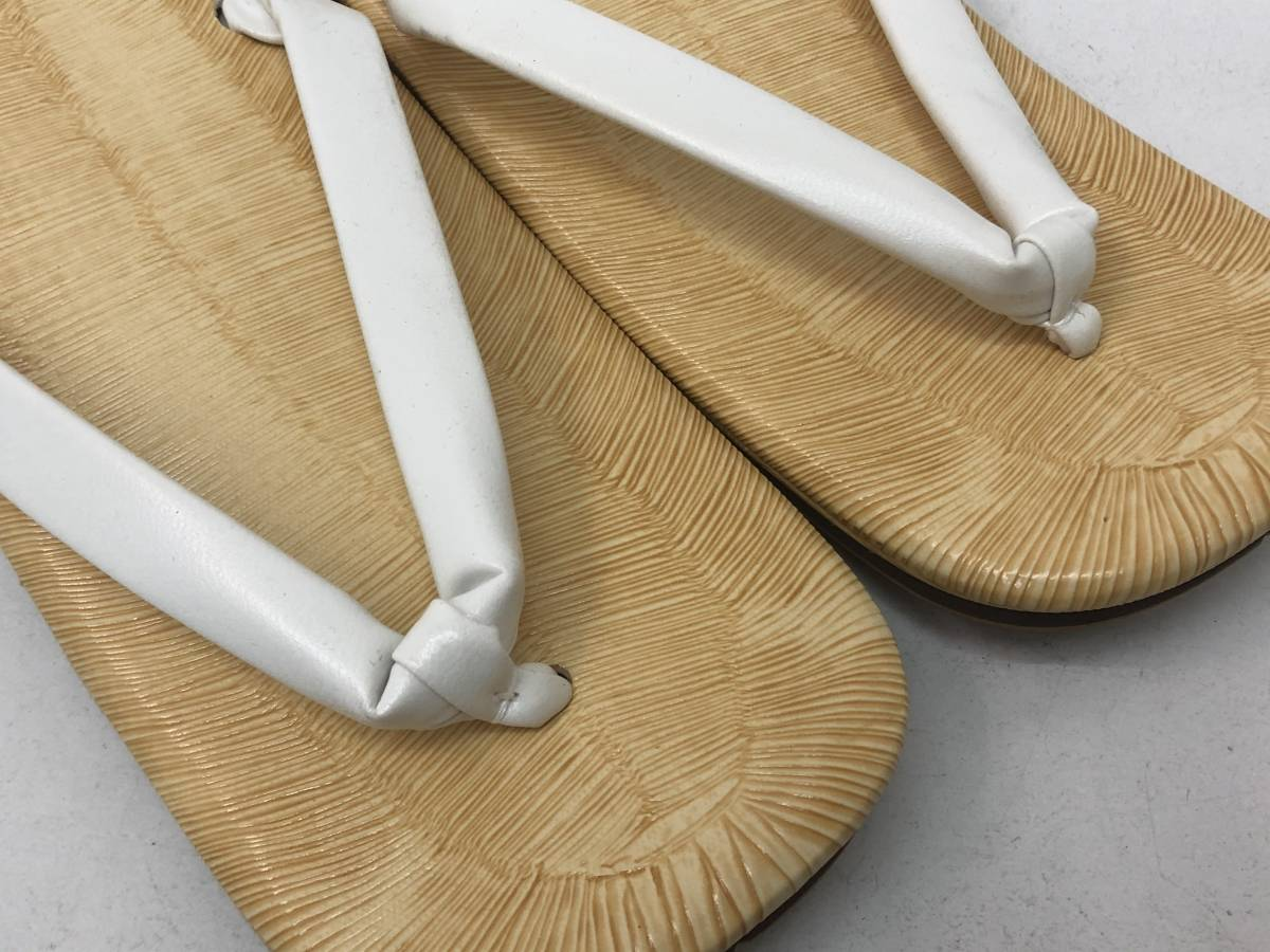 【F-8】  雪駄 日本製 黄タタミ 草履 二枚芯 白鼻緒 Lサイズ 未使用 その1_画像3