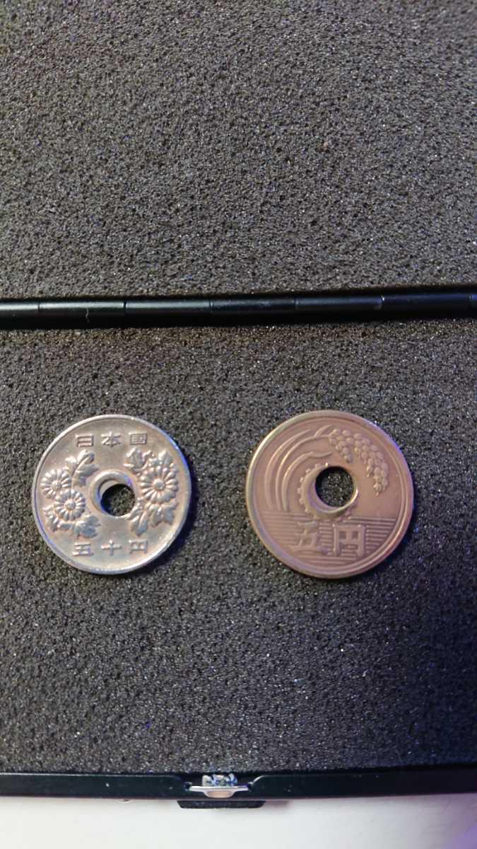 昭和48年 50円白銅貨 穴ズレエラー 美品 昭和26年 5円 黄銅貨 穴ズレエラー 準未使用 W出品