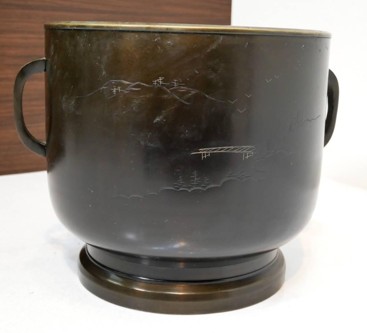 ▲(R205-B121)時代物 銅火鉢 真鍮 黄銅 共箱付き 直径26cm 高さ24cm 火ばち 置物 アンティーク 灰付_画像4