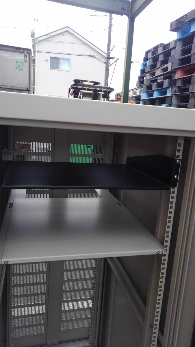 摂津金属工業 SNR-30U6090N2 ネットワークラック サーバーラック システムラック 19インチラック 30U 中古美品_画像4