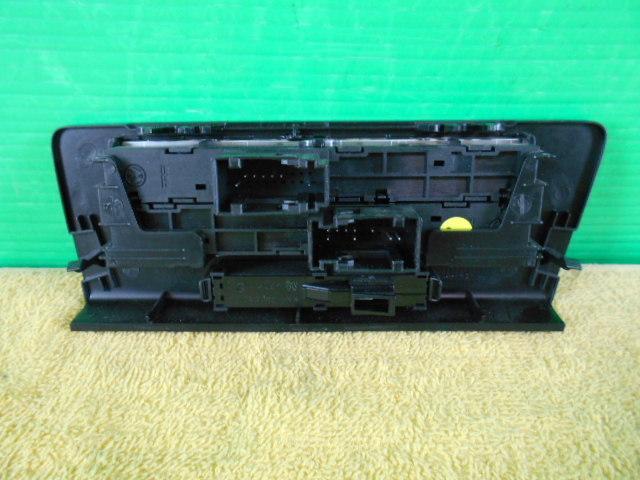 VW シャラン 7N 系 センターコンソール 下 スライドドア スイッチ ドア開閉スイッチ 〔QVQV70011〕7NCAV ハイライン_画像5