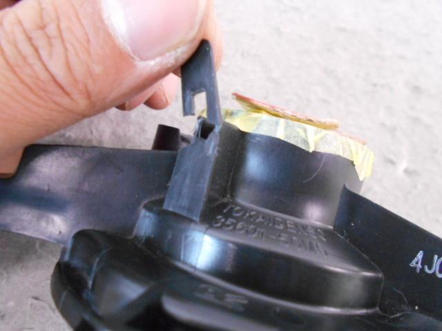 MRワゴン MF33S 純正 右 ウインカーランプ TOKAIDENSO 35601-50M0 中古品[H308-KB1463]_取付け部に1箇所割れ有り。