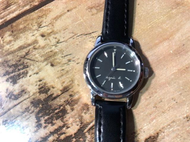 AK10 良好程度 agnes.b/アニエスベー シルバー×ブラック系文字盤 V701-1160 クオーツ レディース 腕時計_画像2