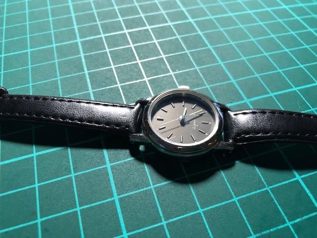 AK10 良好程度 agnes.b/アニエスベー シルバー×ブラック系文字盤 V701-1160 クオーツ レディース 腕時計_画像6