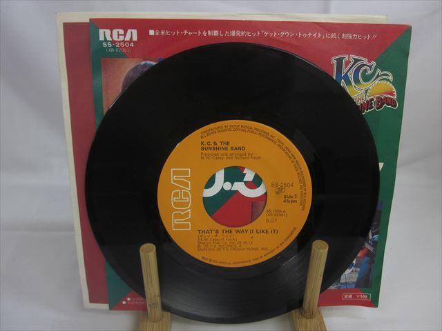 [200610106] K.C.&サンシャインバンド A面 ザッツ・ザ・ウェイ B面 あの娘はハッピー EP レコード SS-2504 RVC株式会社 1975年 【中古】_画像1