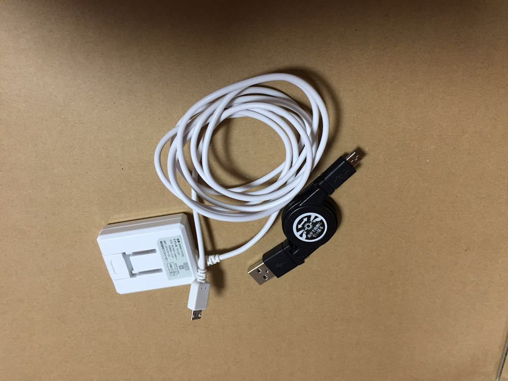 富士通 らくらくスマートフォン4 型番:F-04J ブラック ホワイト 美品 ドコモ docomo_画像10