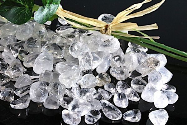 【送料無料】メガ盛り 800g さざれ 大サイズ ヒマラヤ 水晶 クオーツ パワーストーン 天然石 ブレスレット 浄化用 さざれ石 チップ ※1_画像3